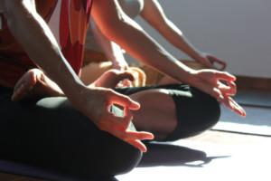 Maria-Boox-teaches-pranayama-on-yoga-retreat-Crete